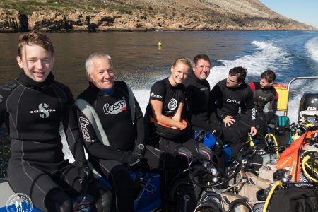 What type of wetsuit should I wear when diving in Cape Town?