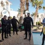Carel briefs the divers