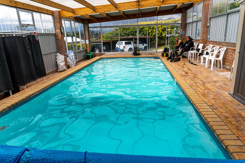 Indigo-Scuba-Indoor-heated-dive-pool