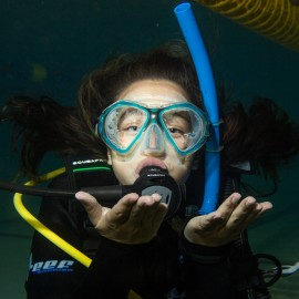 why-girls-love-scuba-diving